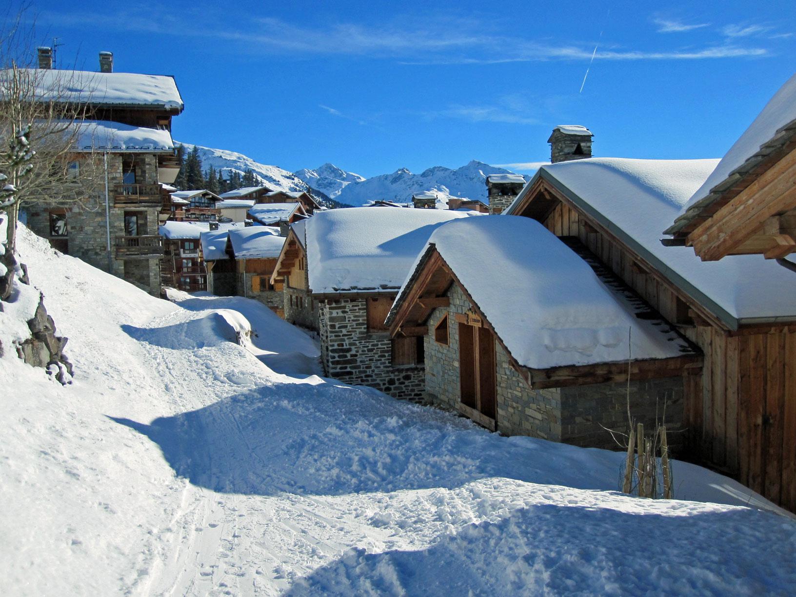 Façade nord, accès aux ski-rooms